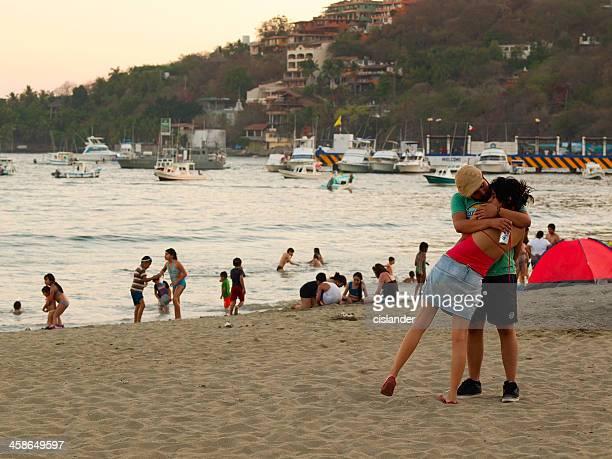 amor en zihuatanejo - ixtapa zihuatanejo fotografías e imágenes de stock
