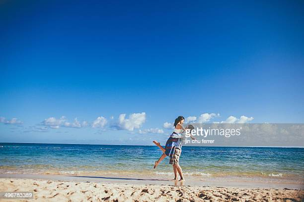 love on the beaches of jamaica. - montego bay stock pictures, royalty-free photos & images