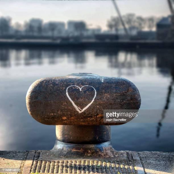 love - alain bachellier photos et images de collection