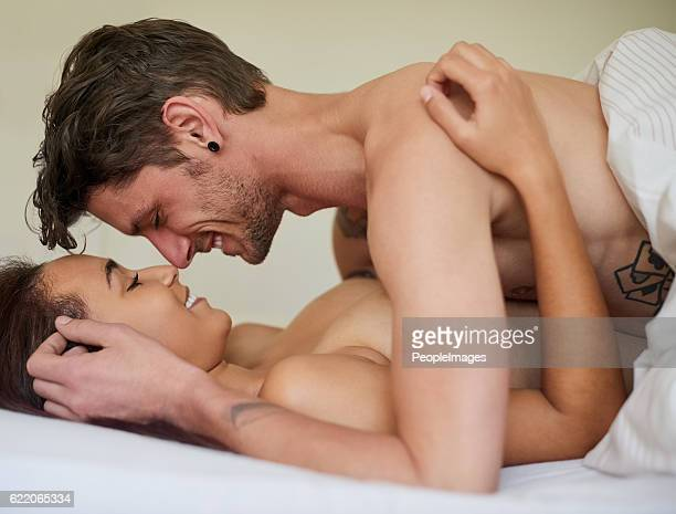 love the way you love me - erotische stockfoto's en -beelden