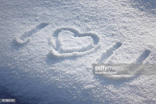 i love you written in the snow - i love you frase em inglês - fotografias e filmes do acervo