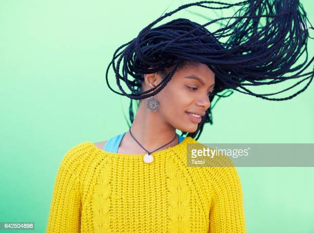 amo tu cabello, amarse a uno mismo - cadera mujer fotografías e imágenes de stock