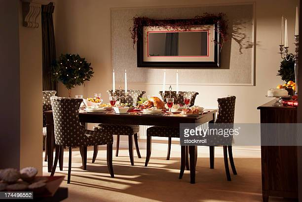 lovely christmas dinner setting - dining room stock pictures, royalty-free photos & images