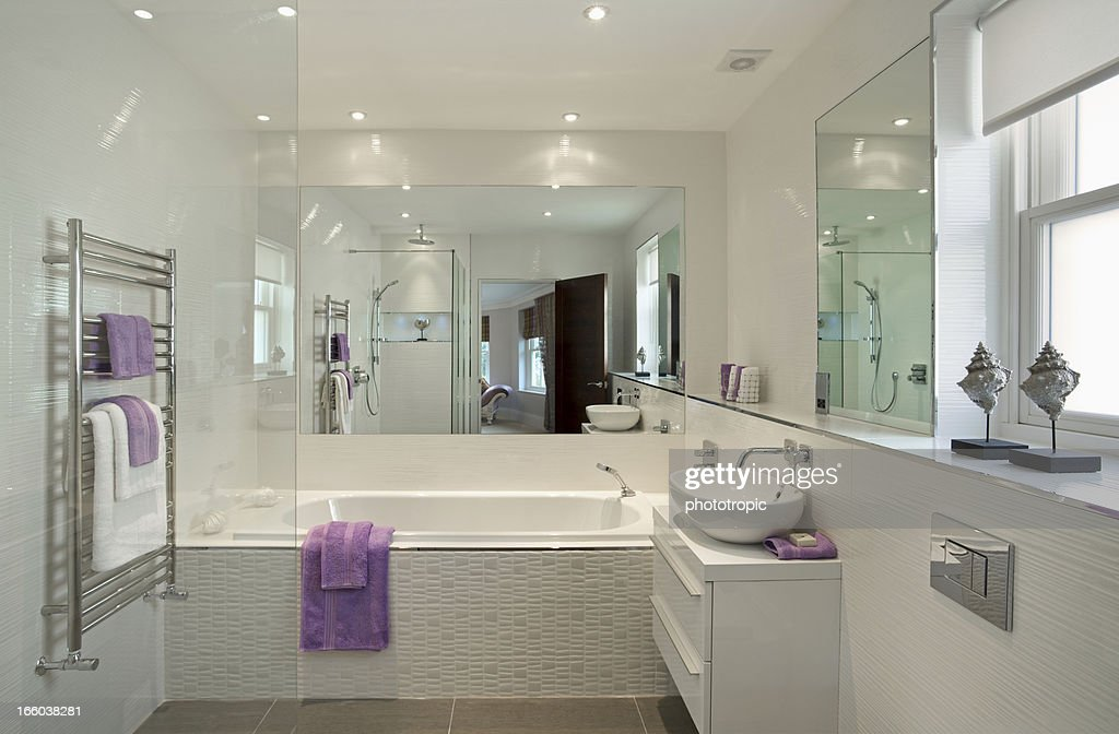 lovely guest's bathroom : Stock Photo