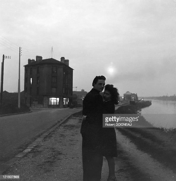 Lovers By The Seine Choisy Le Roi 1946