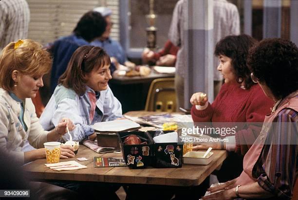 ROSEANNE Lovers' Lane 12/6/88 Natalie West Laurie Metcalf Roseanne Barr Extra