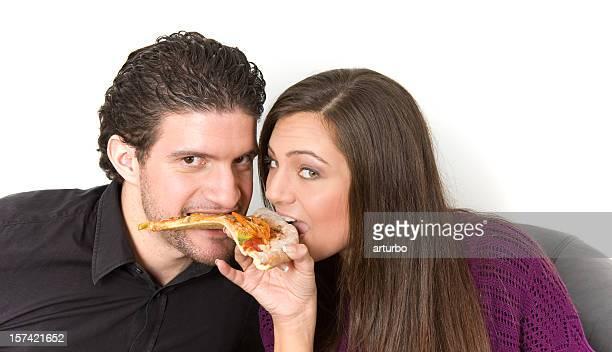 Liebespaar in einem pizza slice