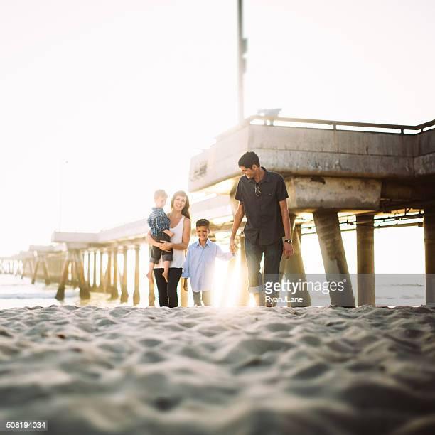 Liebevolle Familie in Venice Beach