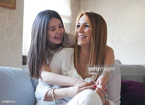 Liebevolle Mutter und Tochter