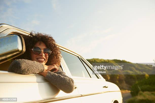 loving this road trip! - weekend activiteiten stockfoto's en -beelden