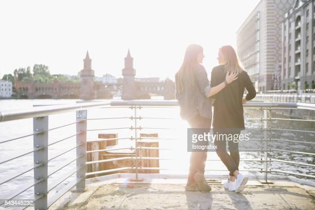 Liebevolle Frau Paar in Berlin