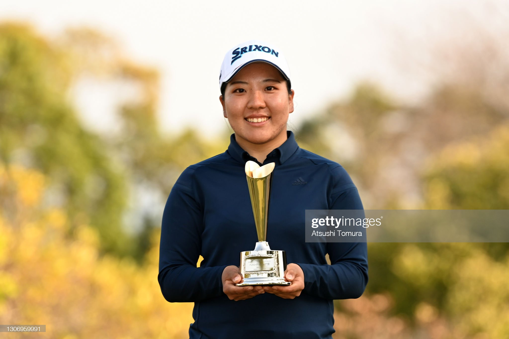 https://media.gettyimages.com/photos/low-amateur-yuka-nii-of-japan-poses-after-the-final-round-of-the-picture-id1306959991?s=2048x2048