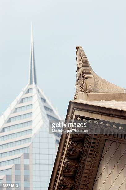 low angle view of a building, art institute of chicago, chicago, illinois, usa - art institute of chicago stock pictures, royalty-free photos & images