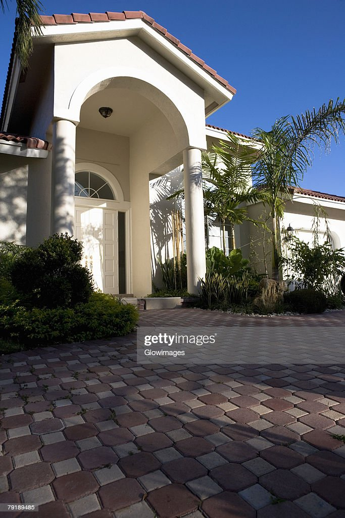 Low angle view of a building : Foto de stock
