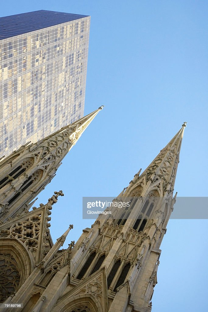 Low angle view of a cathedral, St. Patrick's Cathedral, Manhattan, New York City, New York State, USA : Foto de stock