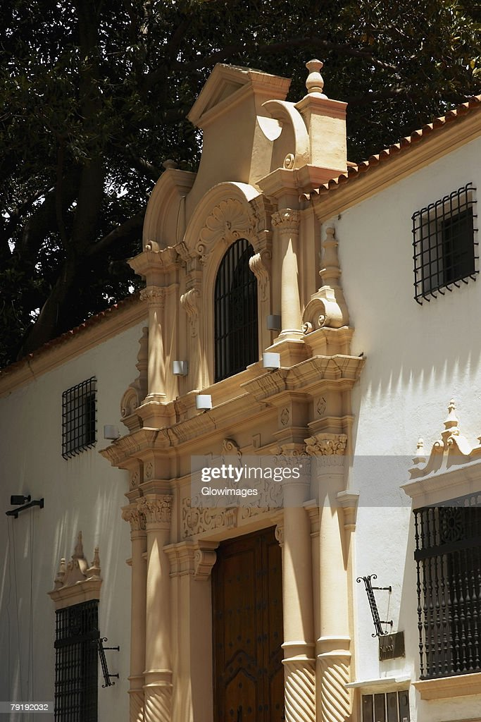 Low angle view of a museum, Isaac Fernandez Blanco Museum, Suipacha Partido, Recoleta, Buenos Aires, Argentina : Foto de stock