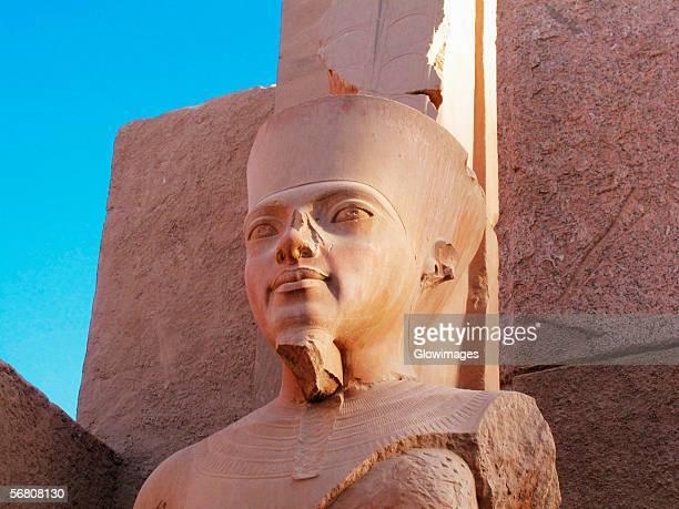 low angle view of a statue, temples of karnak, luxor, egypt - karnak fotografías e imágenes de stock