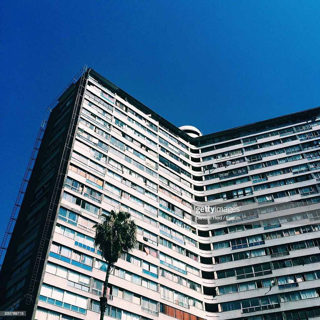 Low Angle View Of Apartment Building : Foto stock