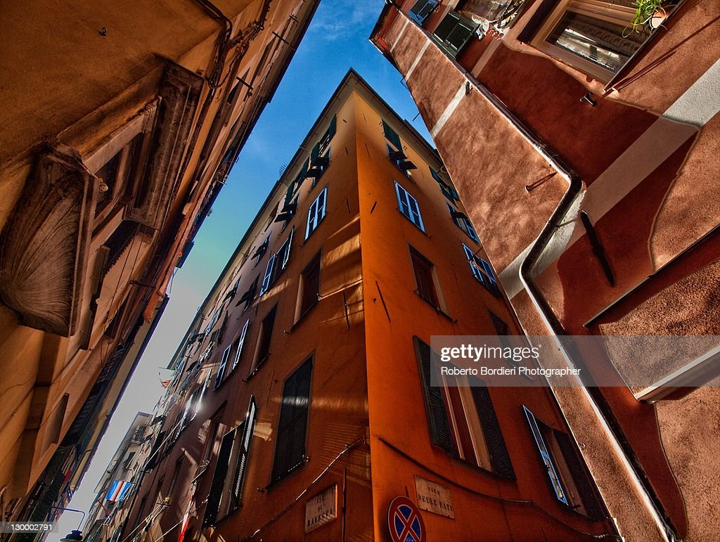 Low angle  view of building : Foto stock