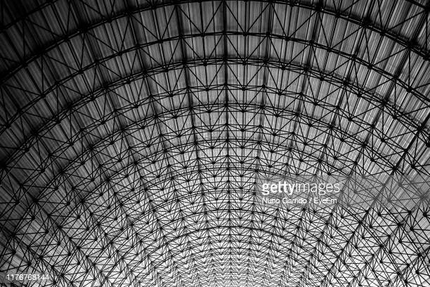 low angle view of ceiling - architectural feature stock pictures, royalty-free photos & images