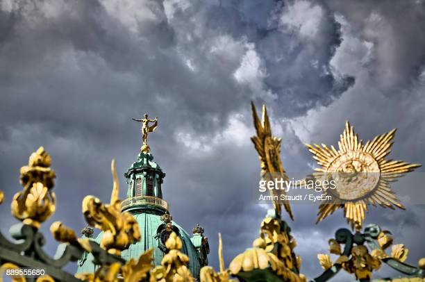 low angle view of charlottenburg palace - charlottenburg palace stock pictures, royalty-free photos & images