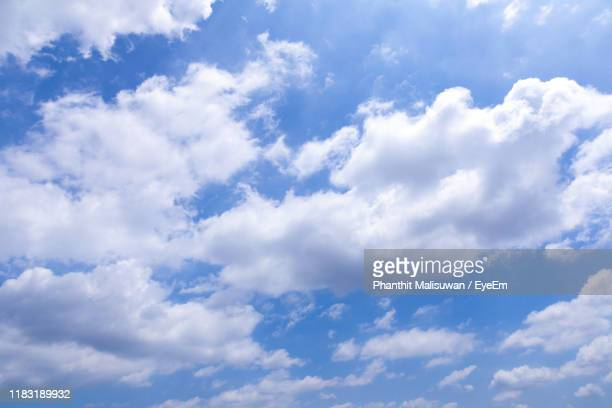 low angle view of clouds in sky - cloudscape stock pictures, royalty-free photos & images