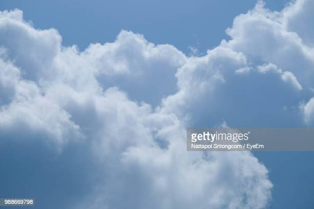 low angle view of clouds in sky - overcast stock pictures, royalty-free photos & images