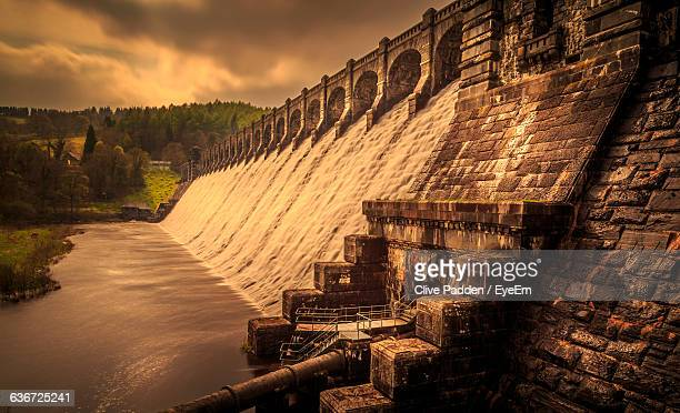 low angle view of dam at lake vyrnwy - lake vyrnwy stock pictures, royalty-free photos & images