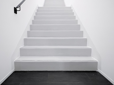 Low Angle View Of Empty Steps In Building - gettyimageskorea
