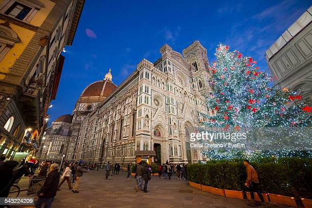 low angle view of florence cathedral during christmas - duomo santa maria del fiore stock pictures, royalty-free photos & images
