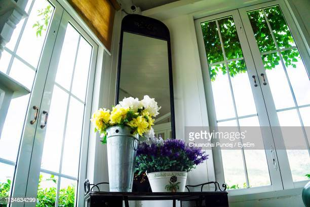 492 Flower Box Holder Photos And Premium High Res Pictures Getty Images