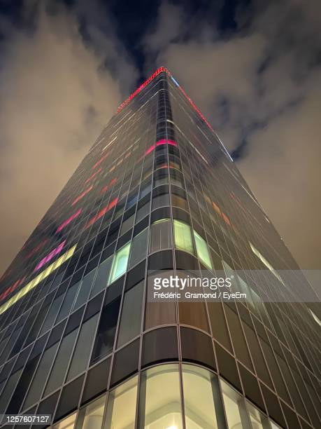 low angle view of modern building against sky - ローヌ県 ストックフォトと画像