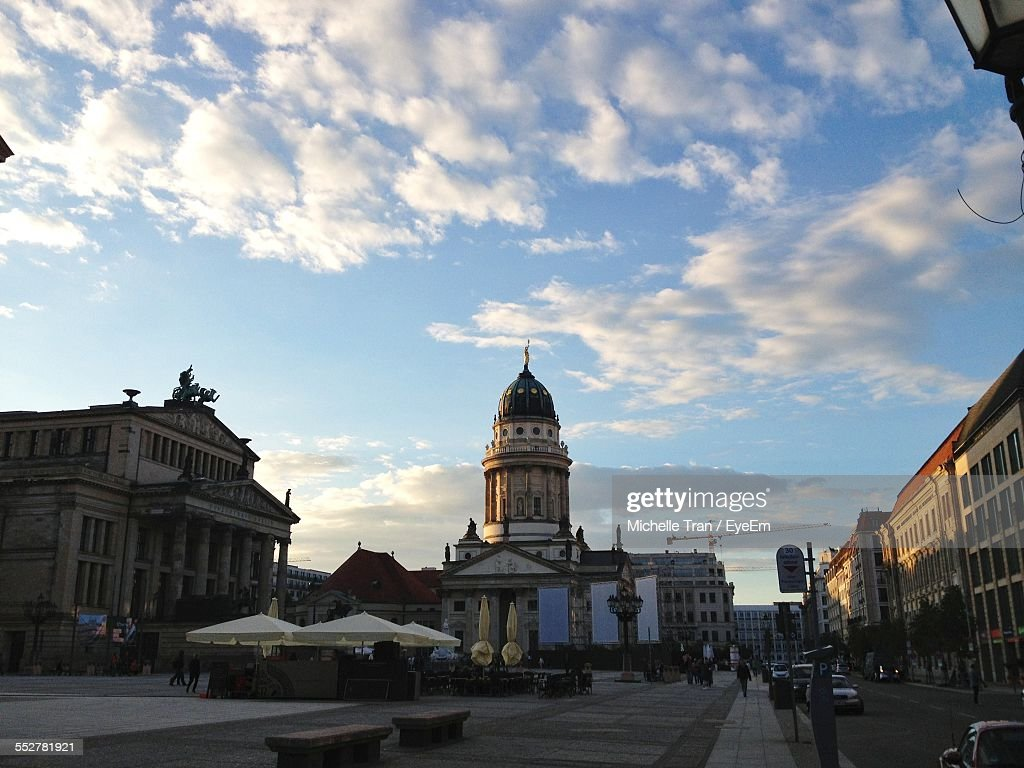 Low Angle View Of Neue Kirche And Buildings Against Sky : Foto de stock