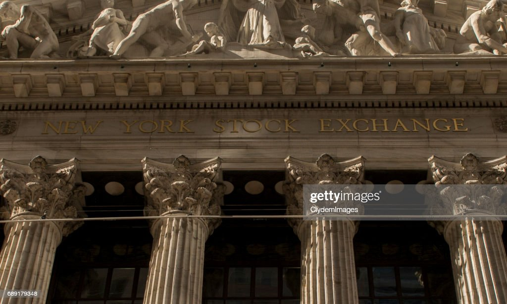 Low angle view of New York Stock Exchange in Lower Manhattan, New York City : Stock Photo