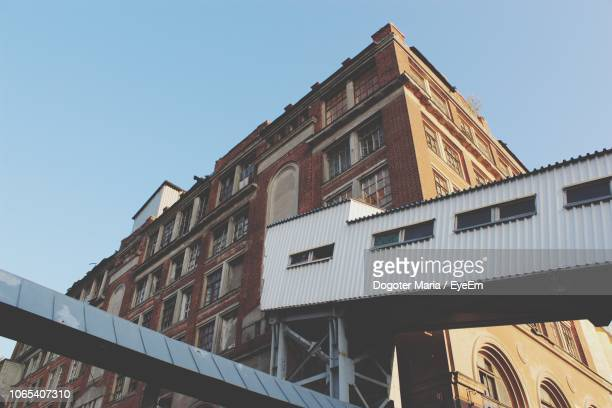 low angle view of old building against clear sky - ニジニ・ノヴゴロド ストックフォトと画像