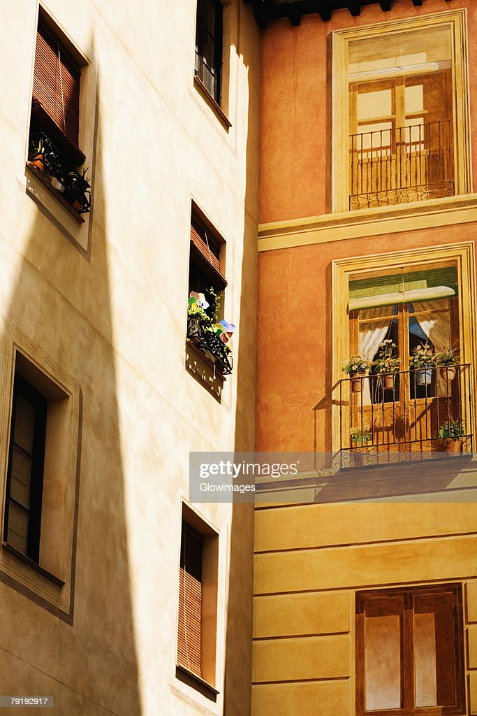 Low angle view of potted plants in a balcony, Toledo, Spain : Foto de stock