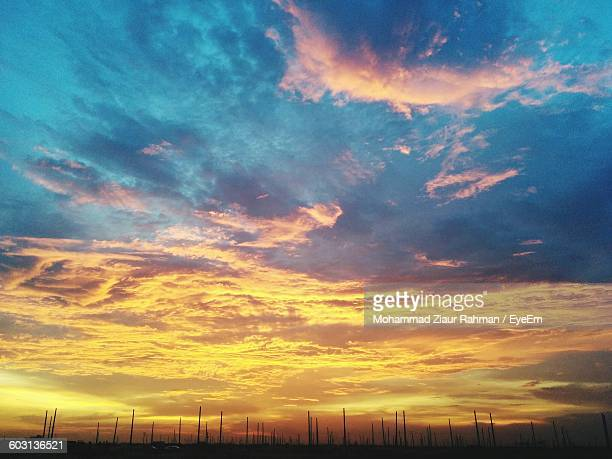 low angle view of scenic sky - ziaur rahman stock pictures, royalty-free photos & images