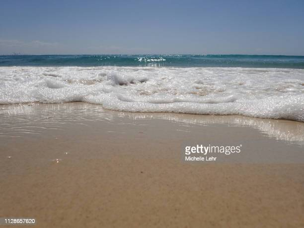 low angle view of sea shore - aufnahme von unten stock-fotos und bilder