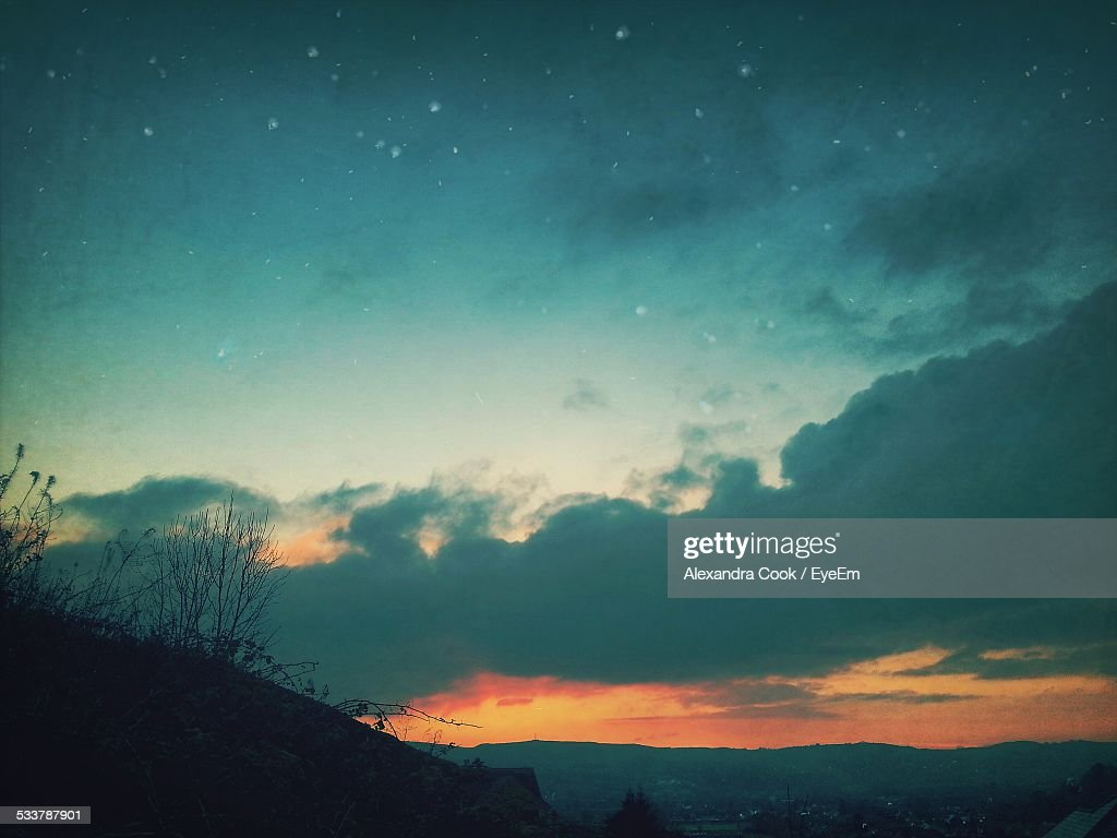 Low Angle View Of Stars At Night : Foto stock