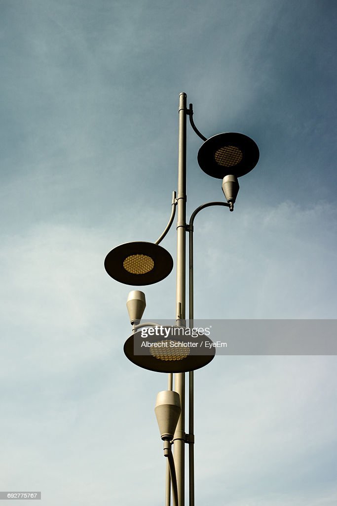 Low Angle View Of Street Light Against Sky : Stock-Foto