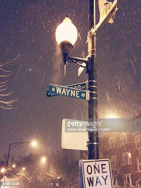 low angle view of street light - oskar stock pictures, royalty-free photos & images