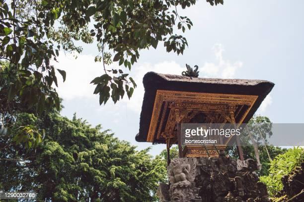 low angle view of temple against sky - bortes imagens e fotografias de stock