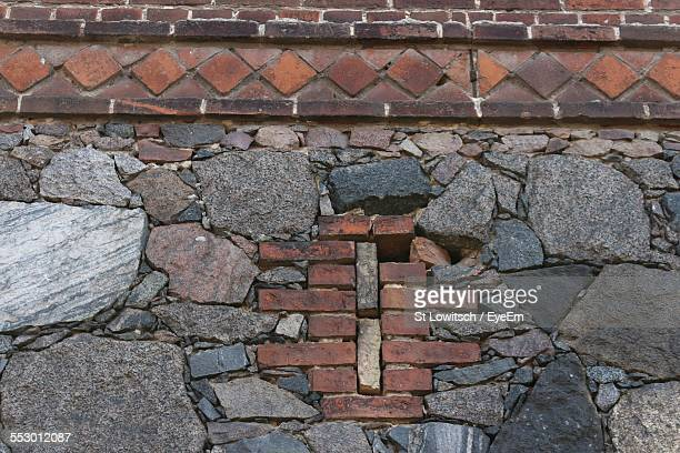 low angle view of wall - lowitsch stock-fotos und bilder