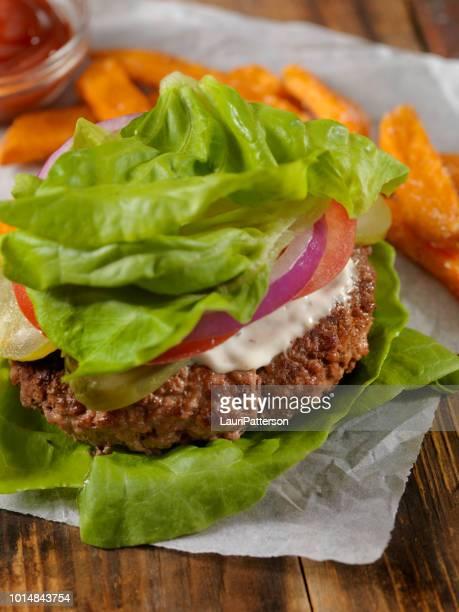 Faible teneur en glucides - laitue Wrap Burger