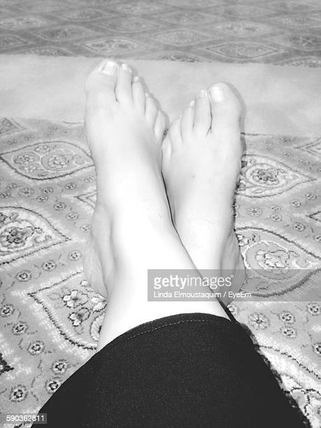 low section of woman on carpet - linda wilton stock pictures, royalty-free photos & images