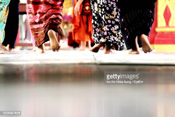low section of women in traditional clothing - ko ko htike aung stock pictures, royalty-free photos & images