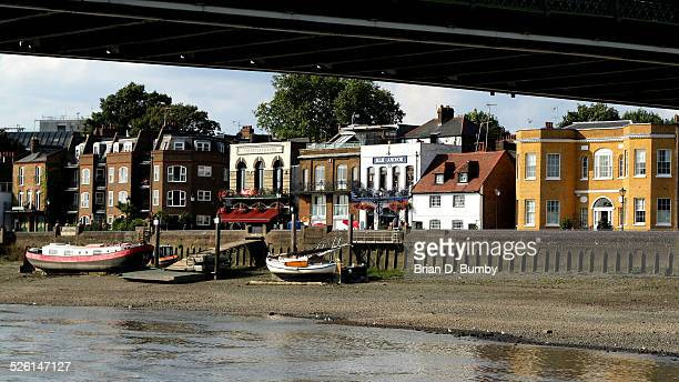 Low Tide on the Thames in Hammersmith