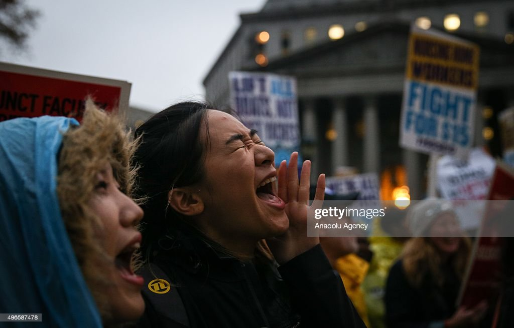 Rally for higher wages in New York : News Photo