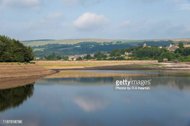 low water levels at bottom's reservoir, tintwistle, longdendale, derbyshire - 2018 stock pictures, royalty-free photos & images