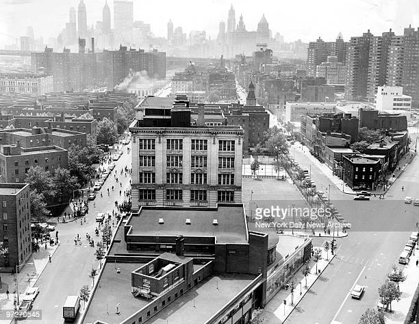 Lower East Side, on the left is Madison Street, on the right Henry Street.
